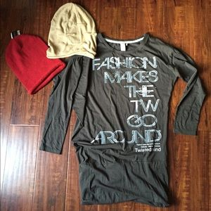 Bundle of shirt and 2 hats!
