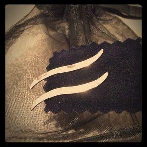 Jewelry - SALE 🔥🔥🔥🔥🔥Silver Earrings ⚱