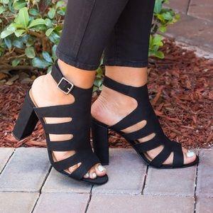 Pinky Shoes - Black Chunk Heel Sandals