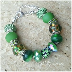 Salty Grace  Jewelry - Green ribbon awareness charm bracelet