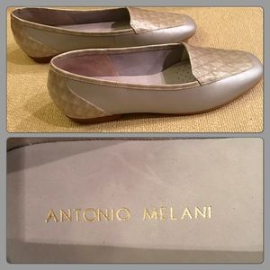 ANTONIO MELANI Shoes - Antonio Melani Leather Silver & Ivory Flats 7 1/2