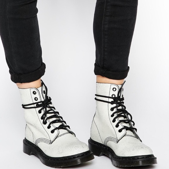 New Doc Martens Pascal White Crackle