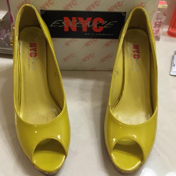 NYC essence - Patent dark yellow 4