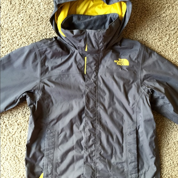 7f055ec0c The NORTH FACE hyvent jacket boys size 7/8 small