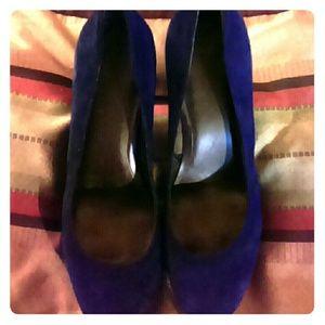 """Size 10 Calvin Klien blue suede heels heels """"5in"""