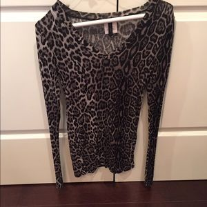 Authentic BcbgMaxazria long sleeve fitted top  S
