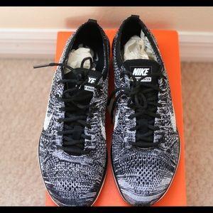 Flyknit Racer Pantofole Da Donna Nike Oreo OLQzSwTsLZ