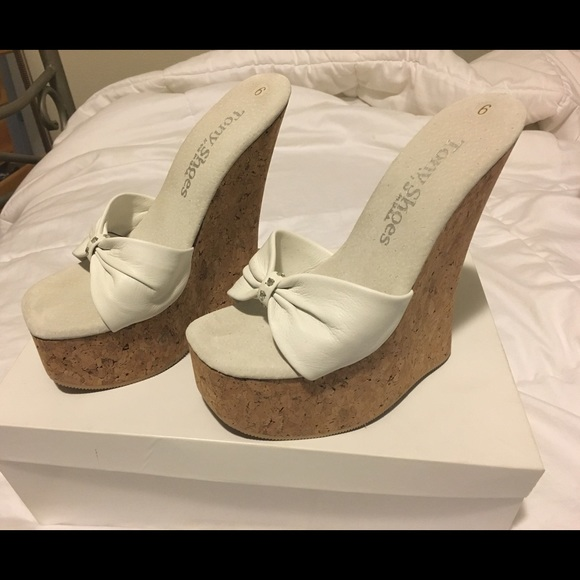f438d182e661 Tony shoes white platform wedges. M 57d2d98413302acb5300afb0