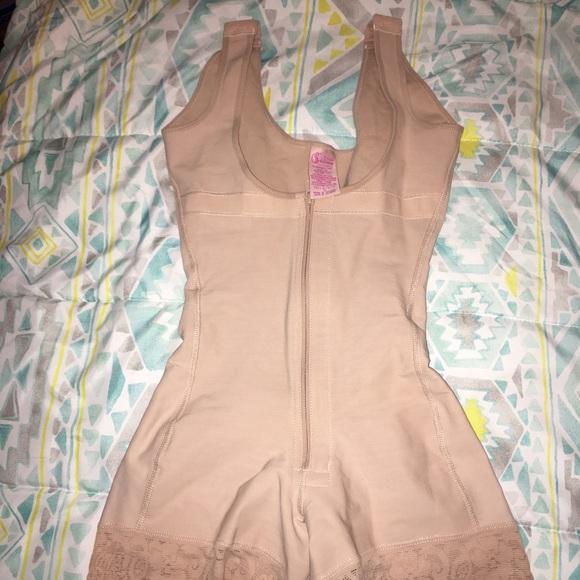 67a0b509d14 Salome Intimates   Sleepwear