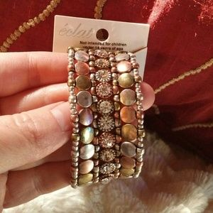 Jewelry - Pretty crystal tritone beaded stretchy bracelet