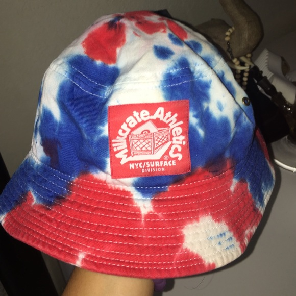 ceefed16c9f Red white and blue bucket hat! M 57d2f8cd8f0fc469c400783d