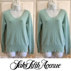 Saks Fifth Avenue Sweaters - | Saks Fifth Avenue | 100% Cashmere Sweater