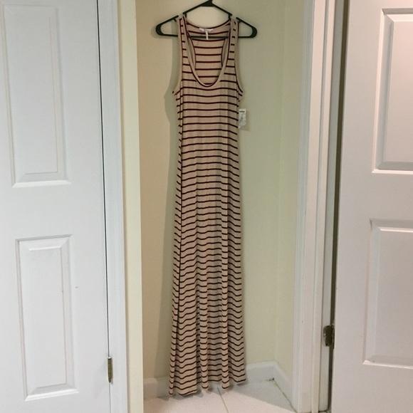 Kirra Dresses & Skirts - NWT Cream and Maroon Striped Maxi Dress