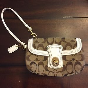 COACH Signature Clutch Wristlet Bag! Nice