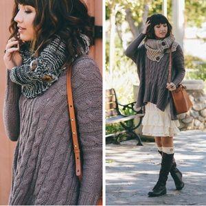 •three button scarf•