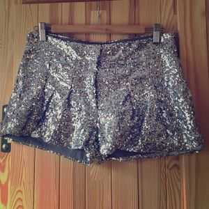 Poof couture Pants - Sequined shorts