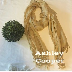 Ashley Cooper Accessories - 🎉Reduced 🎉Ashley Cooper Scarf