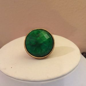 Jewelry - Big green stone, adjustable Ring