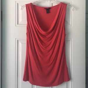 H&M Tops - 🎉HP🎉Beautiful Red/Pink Top
