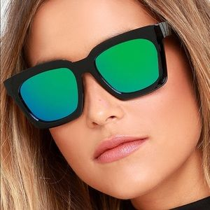 Lulus Accessories - Mirrored Sunglasses! Brand New