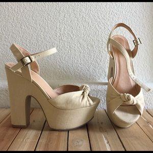US8  ALDO Canvas Platform Peep Toe Shoes Cream Tan