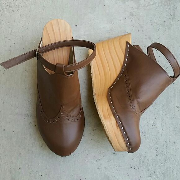 4833c5f765c Wood wedge platform clog leather NEW! Closed toe