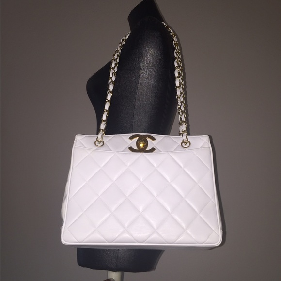 3b824e5634ef CHANEL Bags | Sold Auth White Lambskin Shoulder Bag | Poshmark