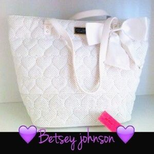 Betsey Johnson white (be mine)  bow tote bag