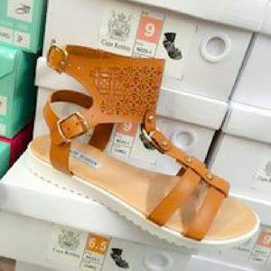 52 Nezo Beige Sandals