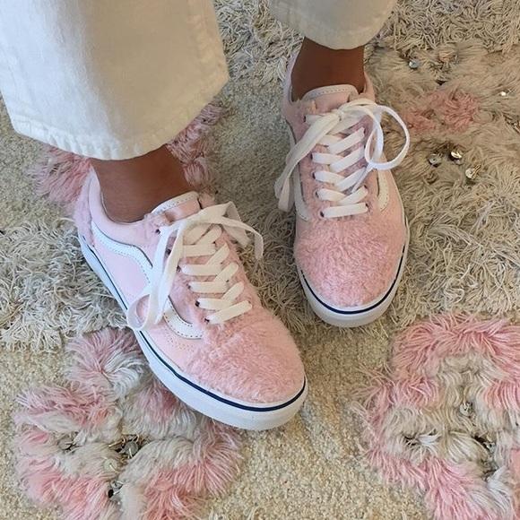 fluffy vans shoes