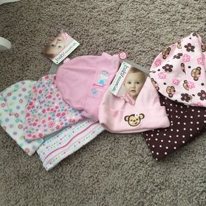 Baby Essentials Other - Baby girl caps 0-3 months