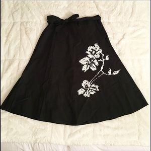 Black and White Flower Midi Skirt - Medium