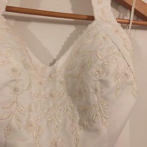 Dresses & Skirts - ❤️Halter style A line Wedding Dress💖