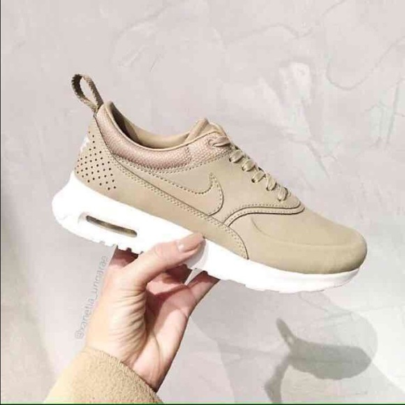 Nike air max thea tan color