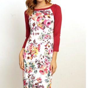 Dresses & Skirts - Floral 3/4 Sleeve Midi Dress