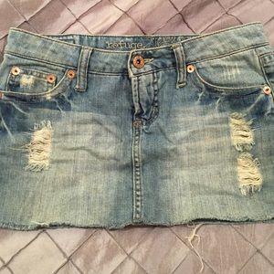 Refuge jean skirt size 5