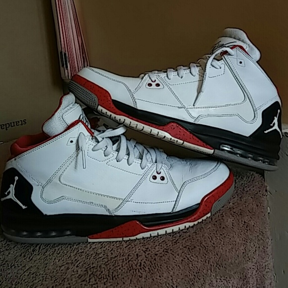 jordan nike flight shoes