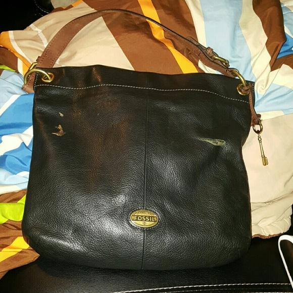 1dc0c6a12ea6 Fossil Handbags - Fossil (ZB5503) Explorer Hobo Black Leather Bag