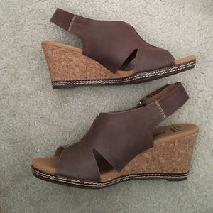 Clarks Shoes - Clarks Brown Wedge Helio Float size 8 1/2 brown
