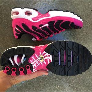 eda25f2aa39a2 Nike Shoes - NWOB 💕👟 NIKE AIR MAX TN sz 6.5 youth / 8 women