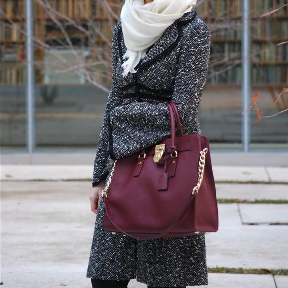 Nanette Lepore Jackets & Coats - Nanette Lepore bell sleeve 3/4 lightweight coat.