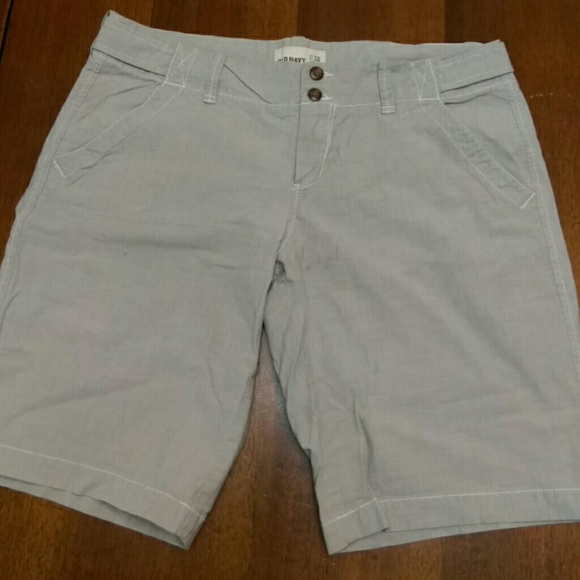 Men's Old Navy Shorts The philosophy behind Old Navy is rooted in the brand's ambition to provide designs for the entire family. Known around the globe for their catchy commercials and jingles Old Navy matches the brand's fun attitude with wearable products.