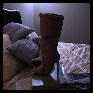 Fall faux suede boots don't miss this fall deal !