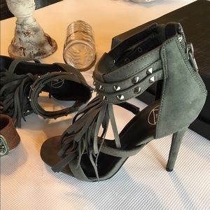 Missguided Shoes - ❌NO OFFERS❌MISSGUIDED ARMY GREEN FRINGE HEELS