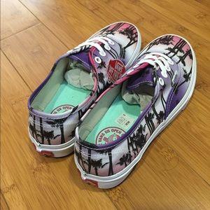 d06e28a42bdbf2 Vans Shoes - Vans US Open of Surf Van Doren sunset shoes 7