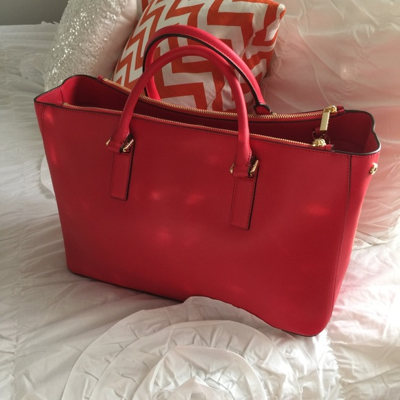 Tory Burch Bags - Brand new carnival red Tory Burch Robinson Tote