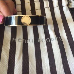 henri bendel Jewelry - Henri Bendel Hinged Bracelet