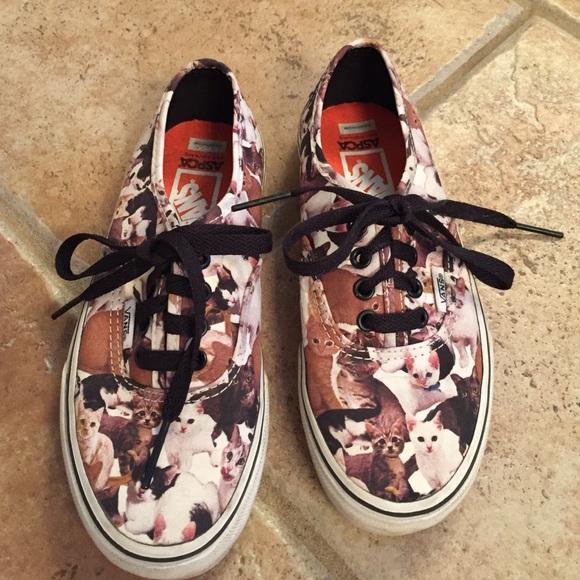 c8d076a9e6 Vans girls ASPCA cat sneakers. M 57d49f4bfbf6f947180128b0