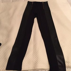 Pants - Black leggings with zippers and leather style