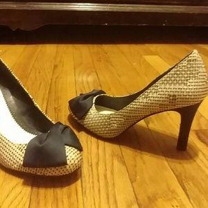 Lela Rose Shoes - Blue bowed heels